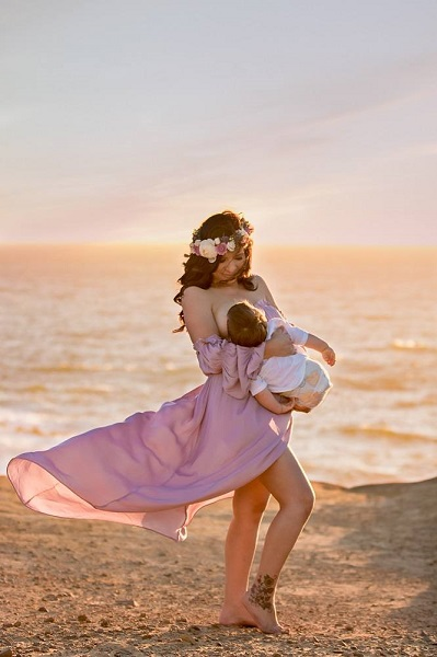 boho mom in desert family photographer