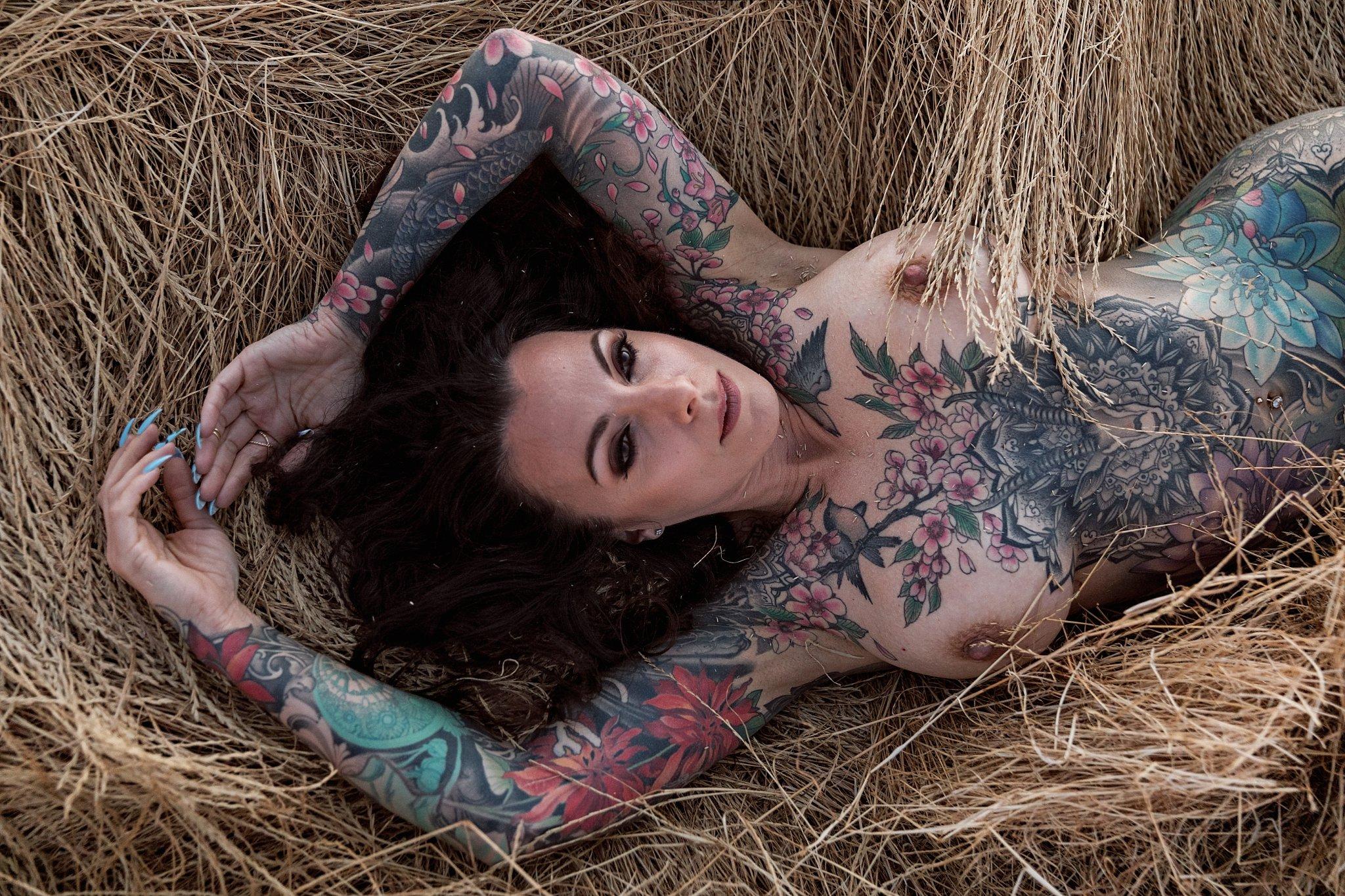boudoir in the field tattooed brunette